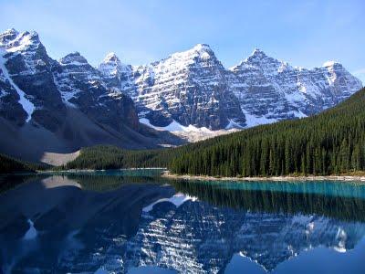 Ледничко језеро Морен у Националном парку Банф у Канади